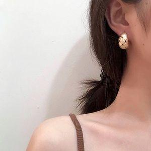 Matte Gold Weave Hoop Minimalist Earrings